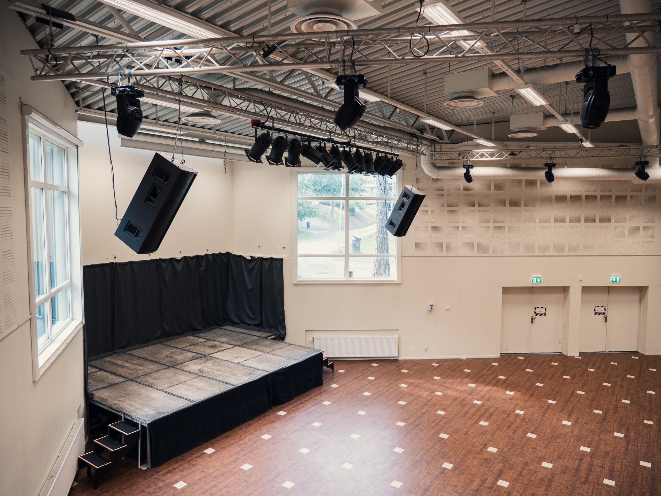 KB Stora Salen 03